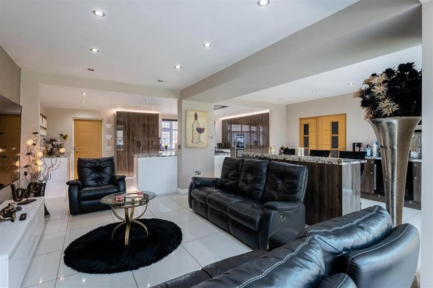 Images for Meadow Drive, Prestbury